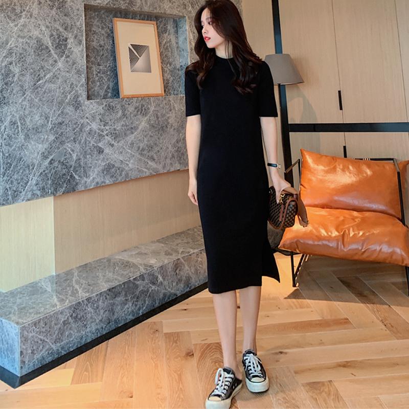 黑色连衣裙2021新款春秋中长款打底裙内搭半高领显瘦开叉小黑裙女