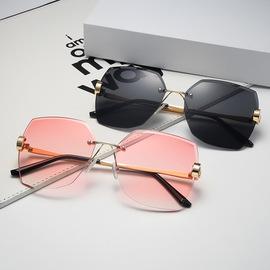 2020复古新品韩版墨镜女潮流无框水晶切边女士防紫外线太阳眼镜片图片