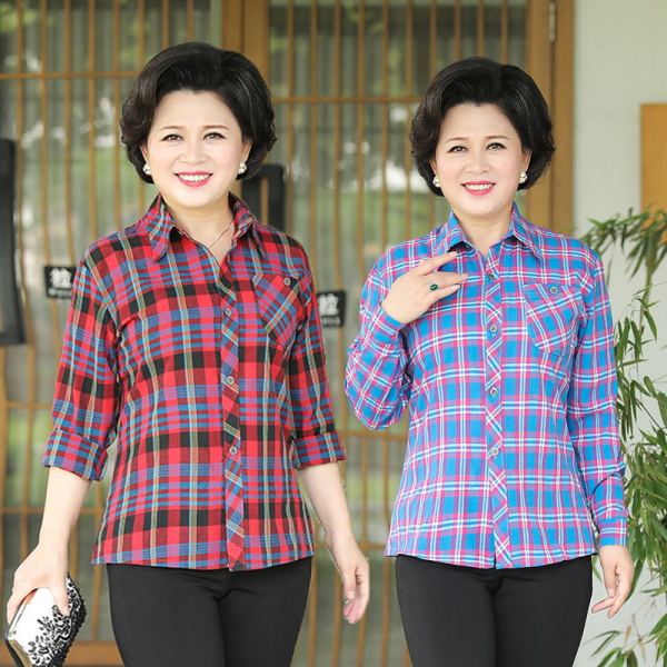 2019 new loose large middle-aged and elderly long sleeved slim fitting polyester cotton plaid shirt female middle-aged women aged 40-50