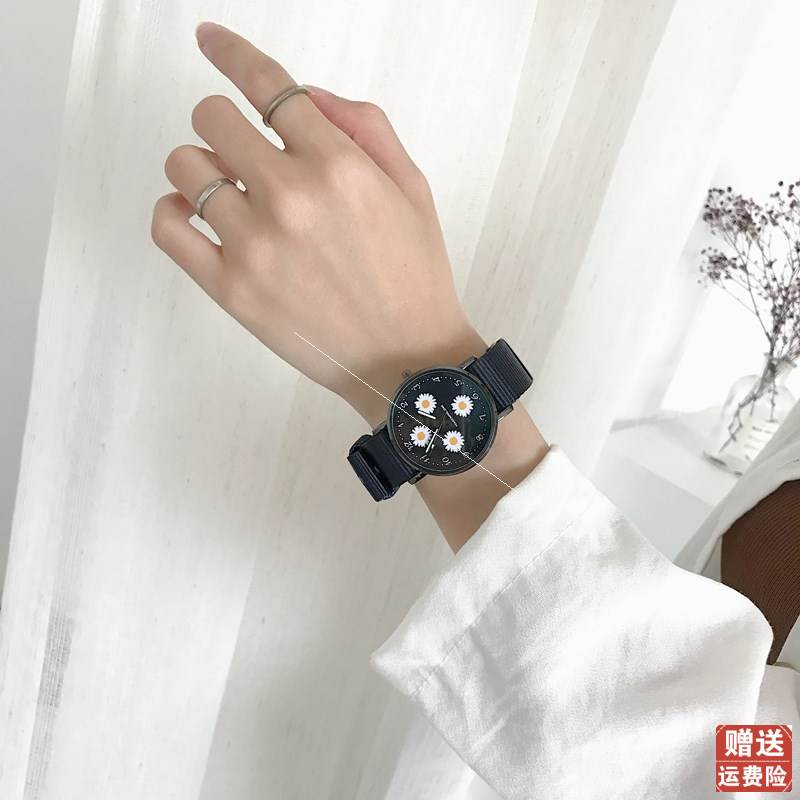 . Nordic minority watch female 2020 new ins wind net red canvas simple temperament student Sen Department small fresh