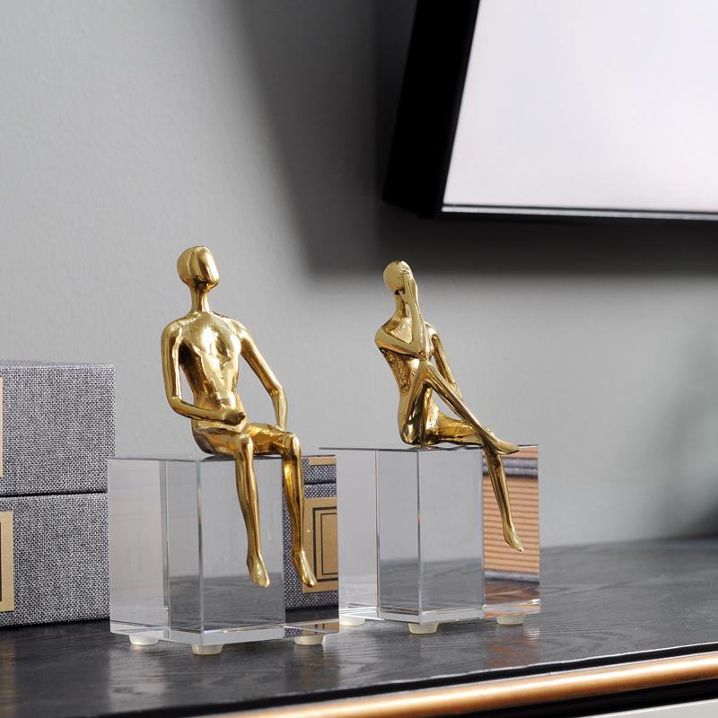 北欧轻奢水晶石客厅书房个性创意装饰品茶几黄铜抽象人物小摆件