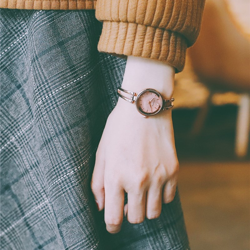 Bracelet Watch womens WindNet red simple temperament slim band small retro student small dial bracelet type lady