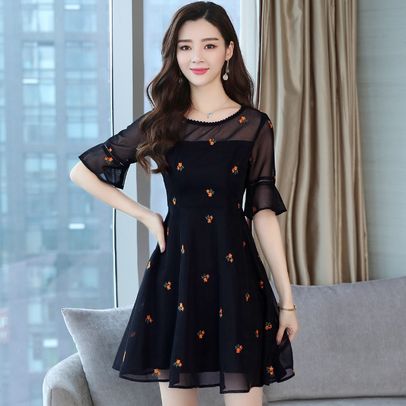 Lace dress womens 2021 summer dress new mesh round neck horn sleeve large size shows thin age reducing commuter style