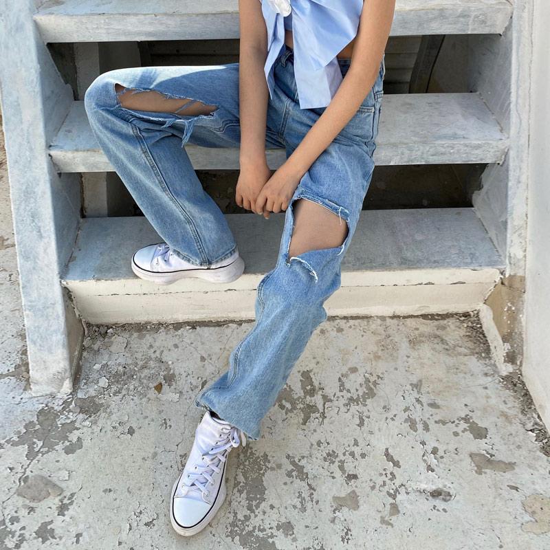 APEA春季新款牛仔长裤2020年宽松洗水破洞高腰牛仔裤女潮流百搭图片
