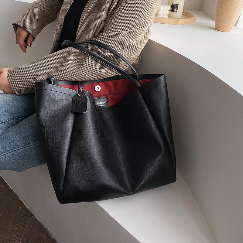 Retro bag womens 2019 new fashion Korean version high-capacity shoulder bag autumn and winter womens bag versatile atmosphere Tote Bag