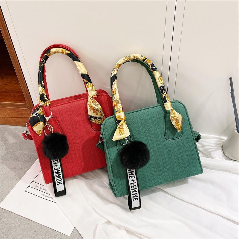 洋气包包新款时尚女包 欧美女士手提小包 毛球丝巾单肩包bags