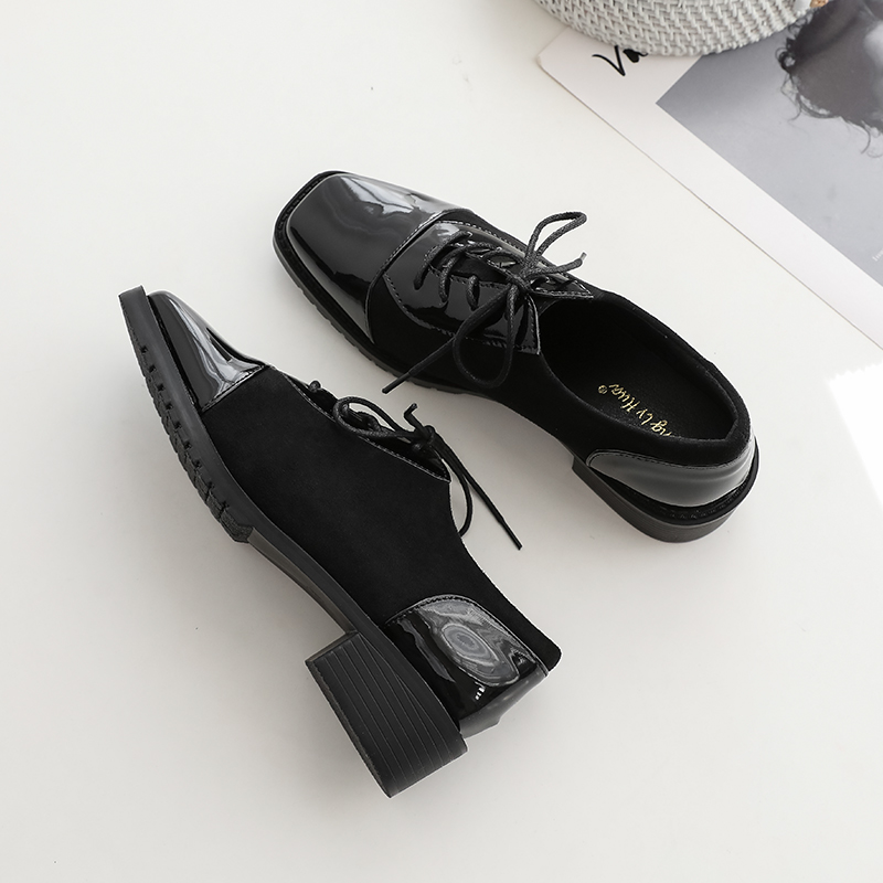 Small leather shoes women British style 2020 new spring and autumn versatile flat bottom lace up black square head single shoes work shoes