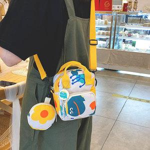 小众设计2021新款潮少女帆布斜挎包