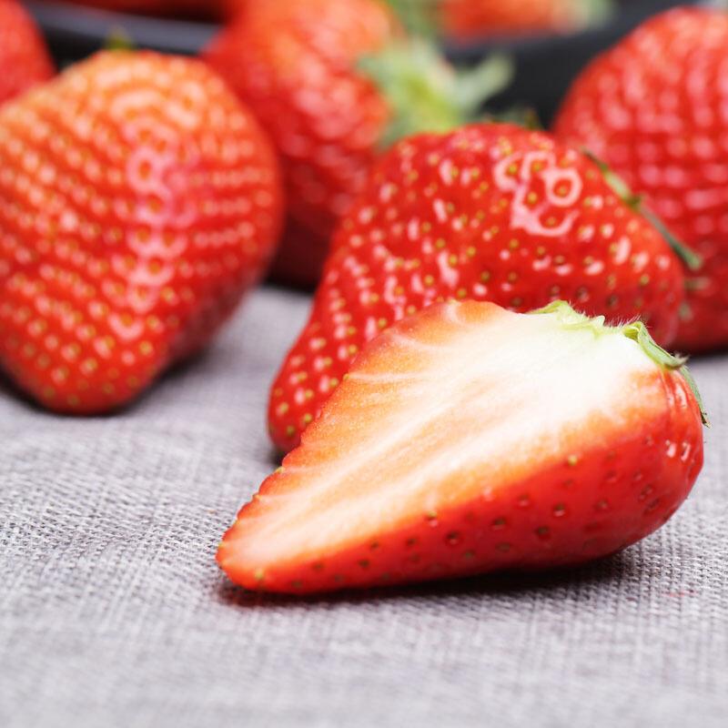 奶油草莓新鲜应当季水果整箱奶油草莓孕妇奶油四季红颜草莓包邮