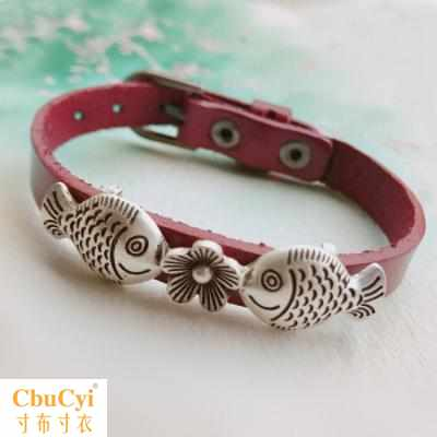 Retro versatile leather Koi Zhaocai small fish hand rope leather rope bracelet