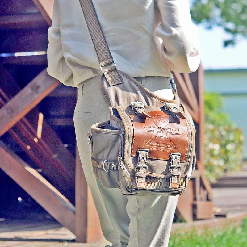 Mens and womens canvas waist bag, Japan and South Korea Travel mountaineering bag, retro travel camera, SLR backpack, leisure One Shoulder Messenger Bag