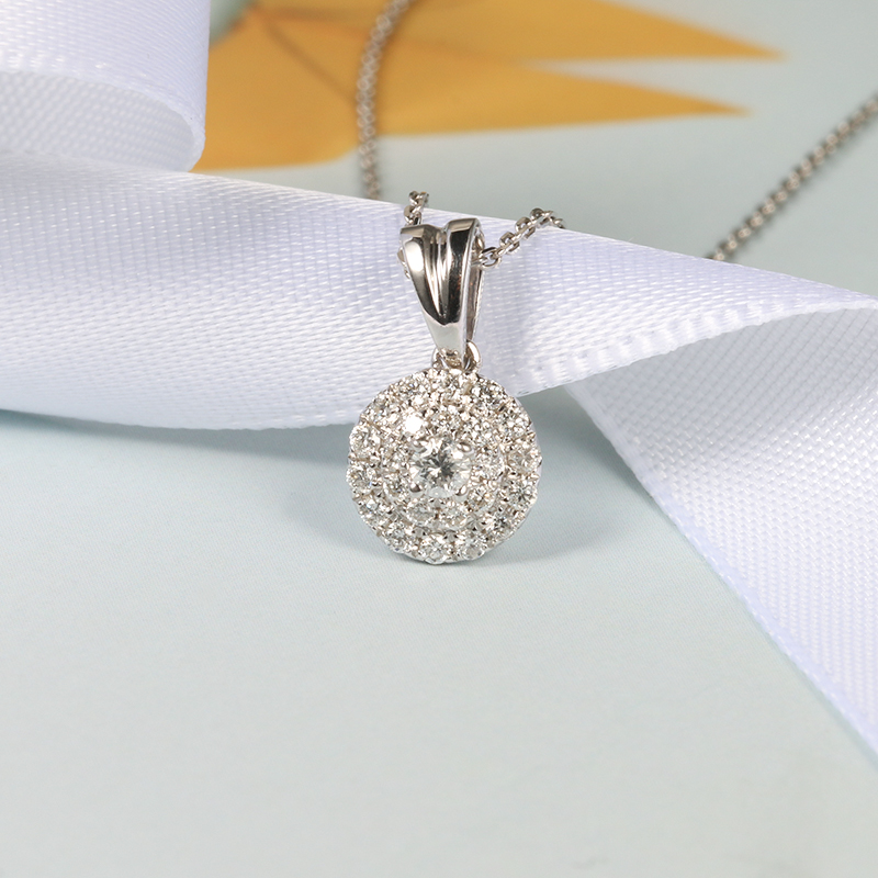 Charm queen jewelry diamond collarbone chain brick and stone set with simple womens Pendant genuine 18K White Gold Necklace Gift