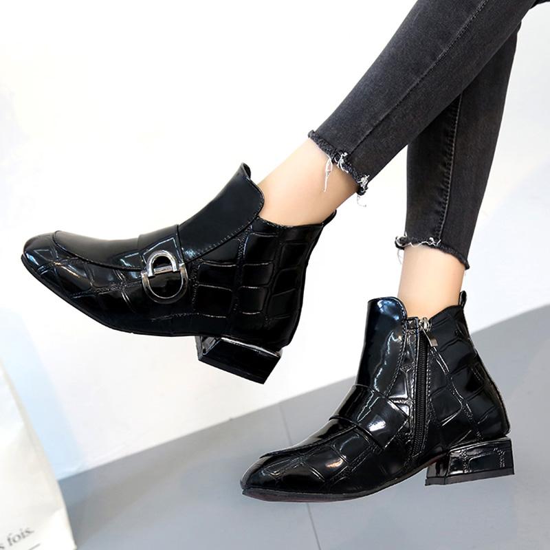 2020秋冬新款百搭漆皮石头纹短靴马丁靴女英伦风粗跟瘦瘦靴ins潮