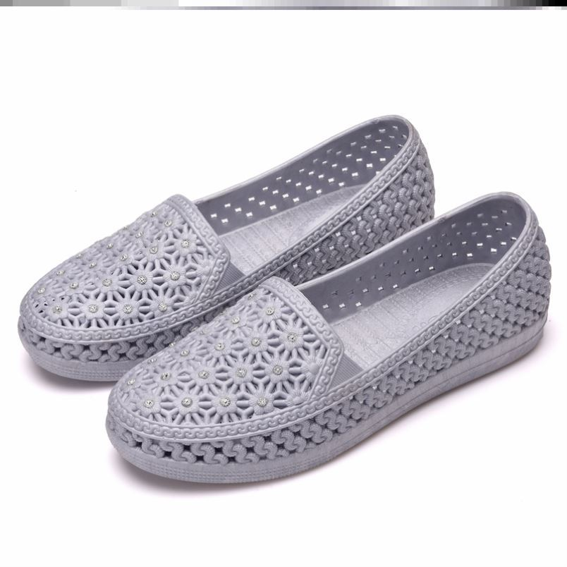 Spring and summer fishermans shoes womens driving leisure mesh hollow Doudou shoes flat sandals cloth shoes small white shoes