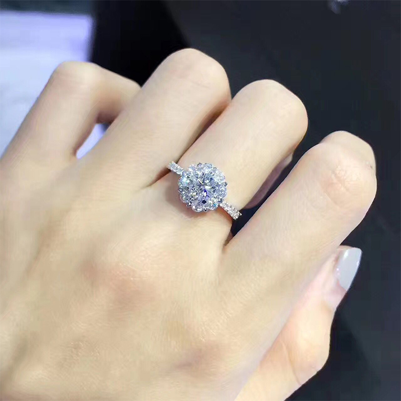 Limeng Jewelry White 18K gold diamond ring with 1 carat effect diamond proposal Ring Engagement Wedding Ring
