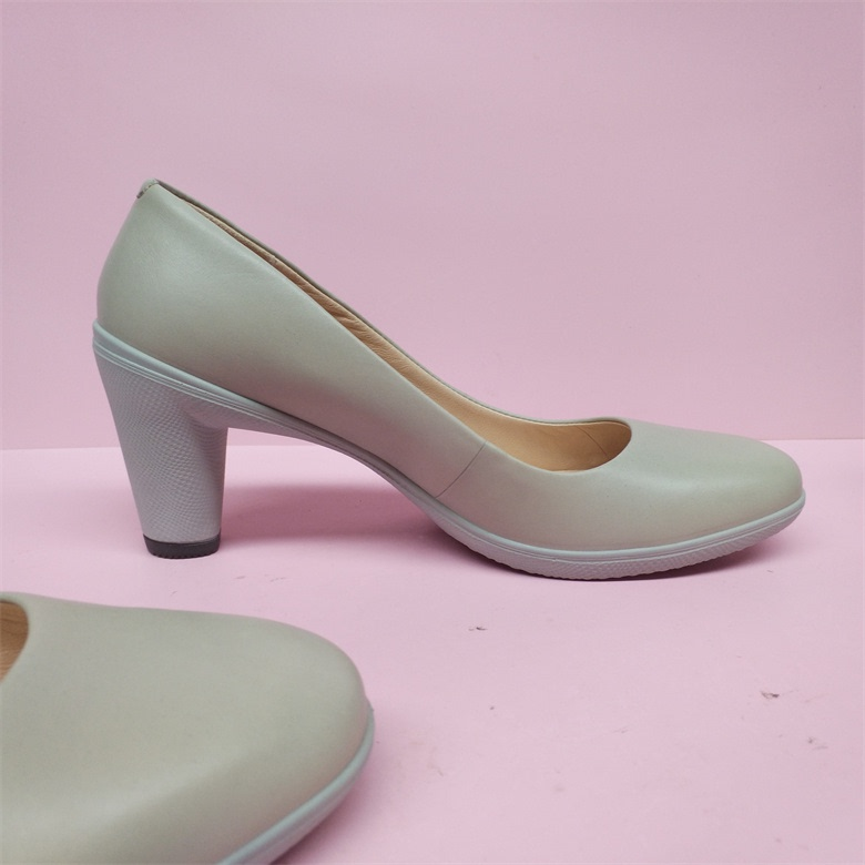 。 Rough counter new 2021 processing comfortable work shoes single shoe size anti-B slip high heels genuine broken womens leather