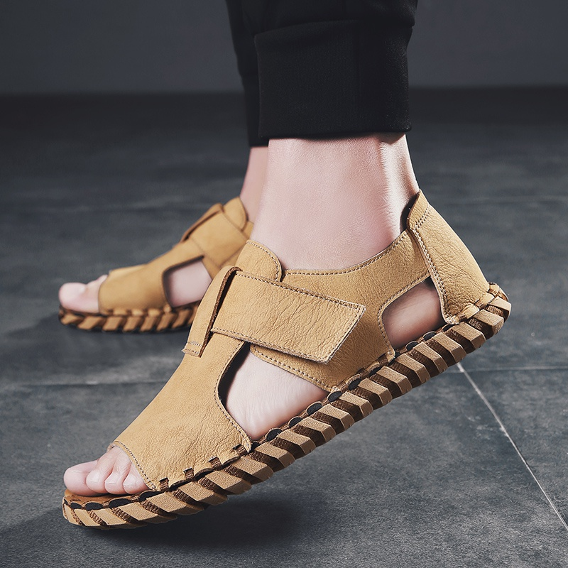Mens sandals outdoor summer new breathable Korean fashion Roman leather sandals driving soft soled beach shoes mens shoes