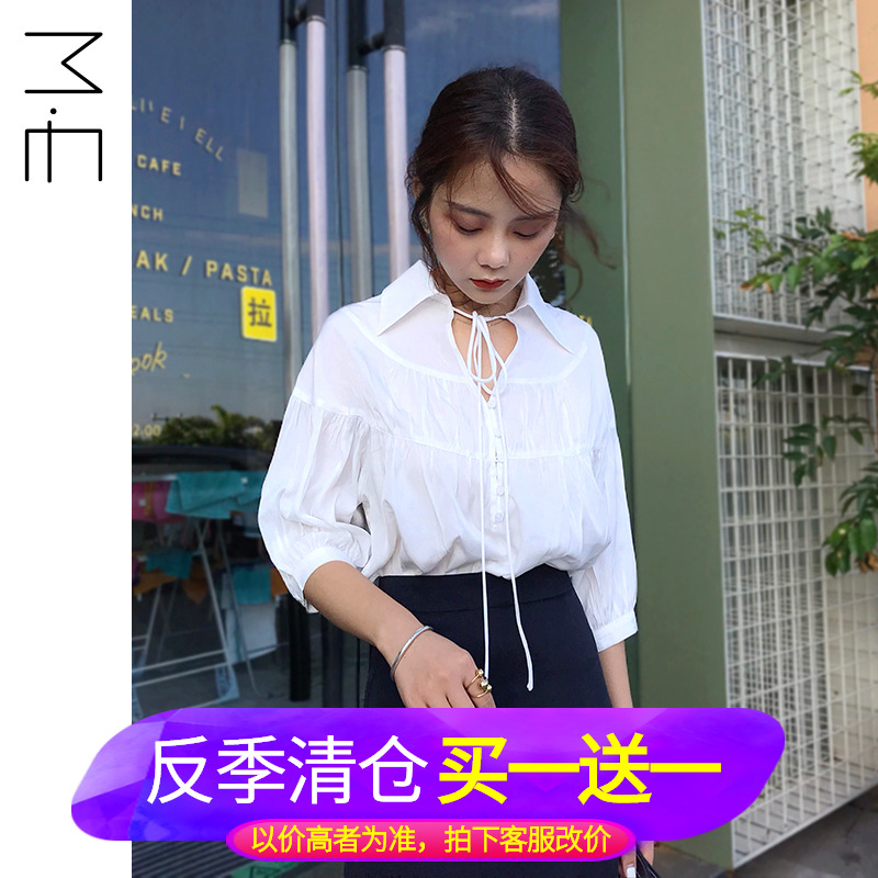 Me2019 summer new style bubble sleeve lace up temperament V-neck white shirt womens foreign style French half sleeve shirt