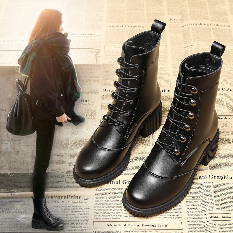 British style Martin boots womens autumn and winter 2020 new fashion versatile Japanese solid color locomotive middle heel thick heel short boots women