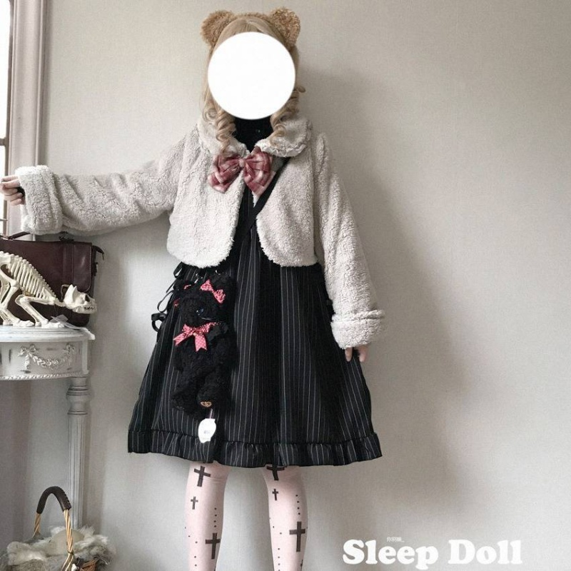 Lolita Lolita short coat girl student autumn winter loose and thick top rabbit ear lamb cashmere doll collar