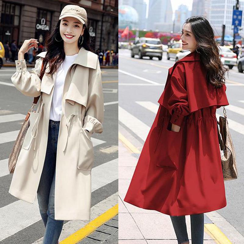 インズさんのパーカーは小柄で長身タイプのコートは女性の秋冬スタイルは膝丈のおしゃれな女性コートにぴったりです。