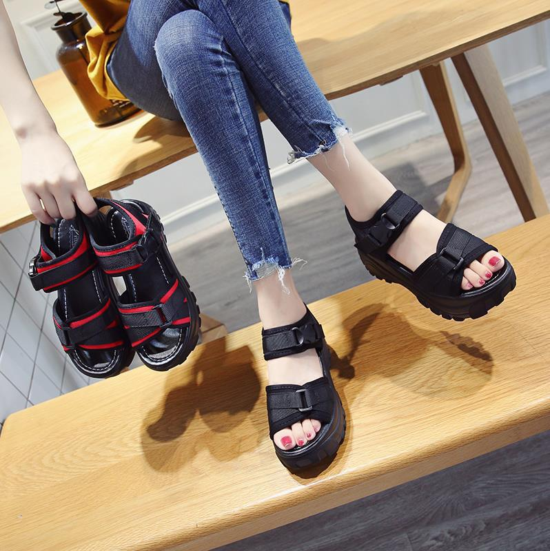 Womens sandals, flat shoes, sports shoes, students version, light and light, thick soled womens shoes, big red, common and good-looking