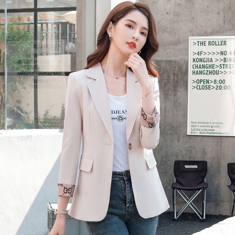 Autumn small suit coat womens short 2021 spring and autumn new net red pop casual fashion sleeve womens suit