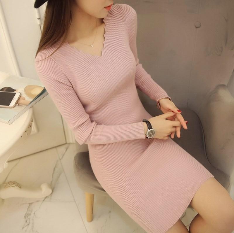 女装中长款贴身显瘦套头紧身打底衫长袖连衣裙v领毛衣修身针织。
