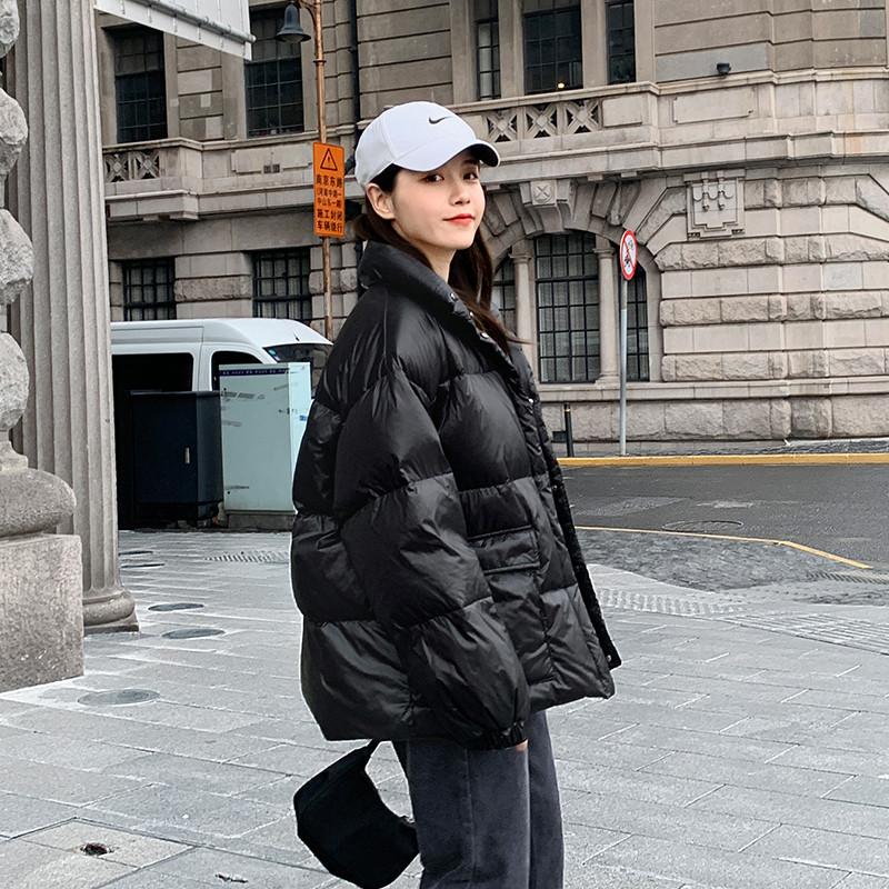 白鸭绒羽绒服女装短款2021年冬季新款爆款时尚宽松显瘦轻薄外套潮