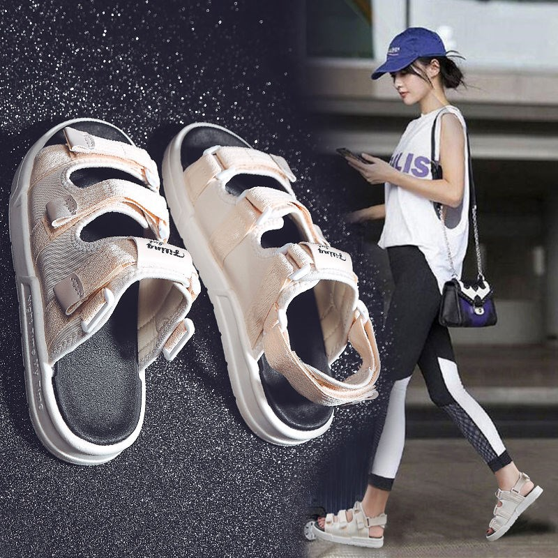 One shoe, two pairs of lovers sports sandals, womens summer 2020 new mens Korean version Velcro beach large flat bottom trend