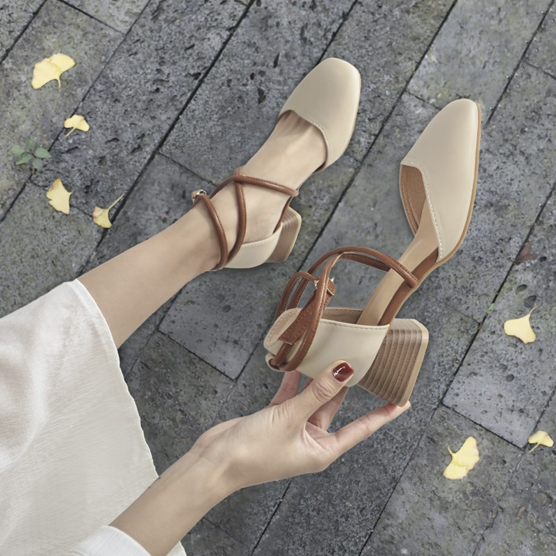 Sandals womens shoes in the summer of 2020 new Baotou soft thick heel fairy wind middle heel students hollow high heel single shoes