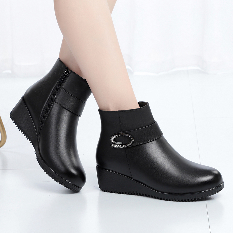 Mothers cotton shoes leather winter Plush warm wool boots slope heel fur one middle-aged womens mothers cotton shoes