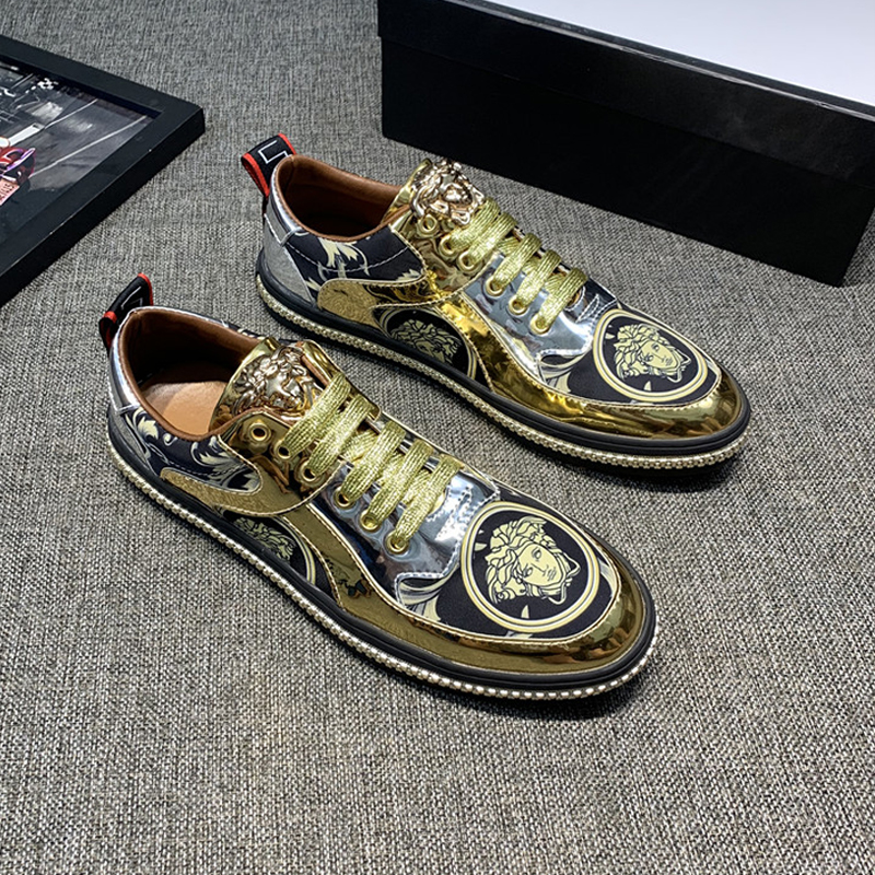 New European station Medusa head print low top board shoes patent leather metal Korean wave casual mens shoes fashion brand