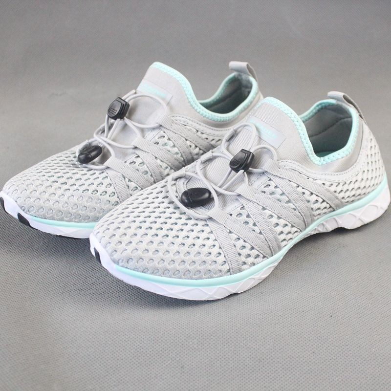 New summer 2020 breathable mesh running shoes, hollow tracing shoes, drainage beach shoes, mens and womens shoes, amphibious~