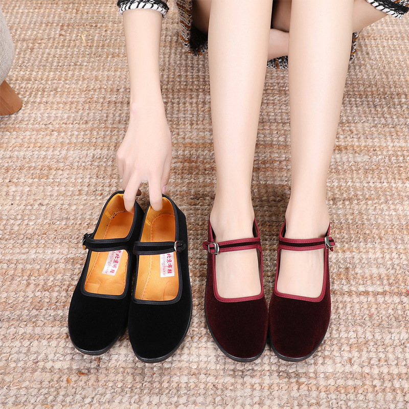 Old Beijing cloth shoes womens spring and autumn fashion wine red single shoes mother shoes non slip soft sole comfortable work shoes