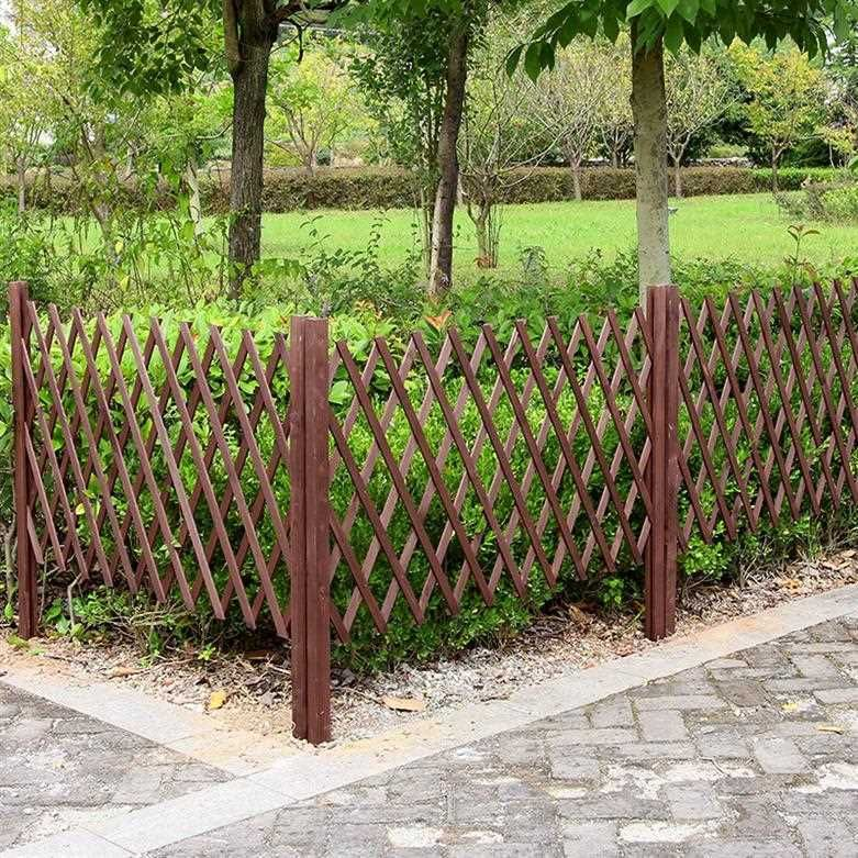 Wooden door isolation fence flower bed family lawn garden fence fence small fence outdoor indoor community flower garden flowers and plants