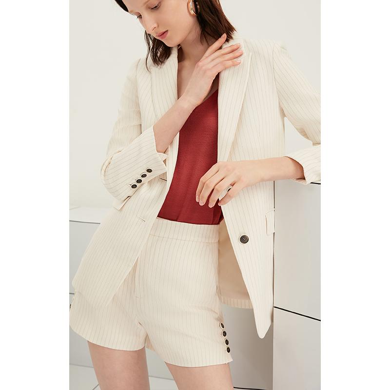 Lily2019夏新款女装细条纹宽松修身撞色纽扣西装119210C2143