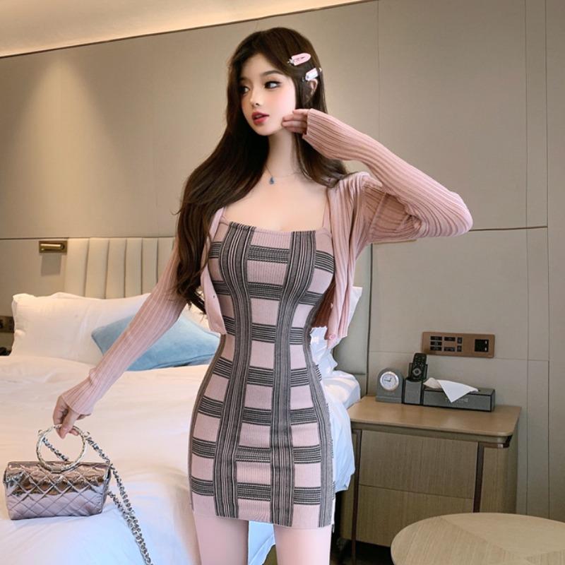 中國代購 中國批發-ibuy99 连衣裙长袖 新款防晒短款长袖连衣裙吊带衣裙女连衣臀开衫格子套装春夏性感针