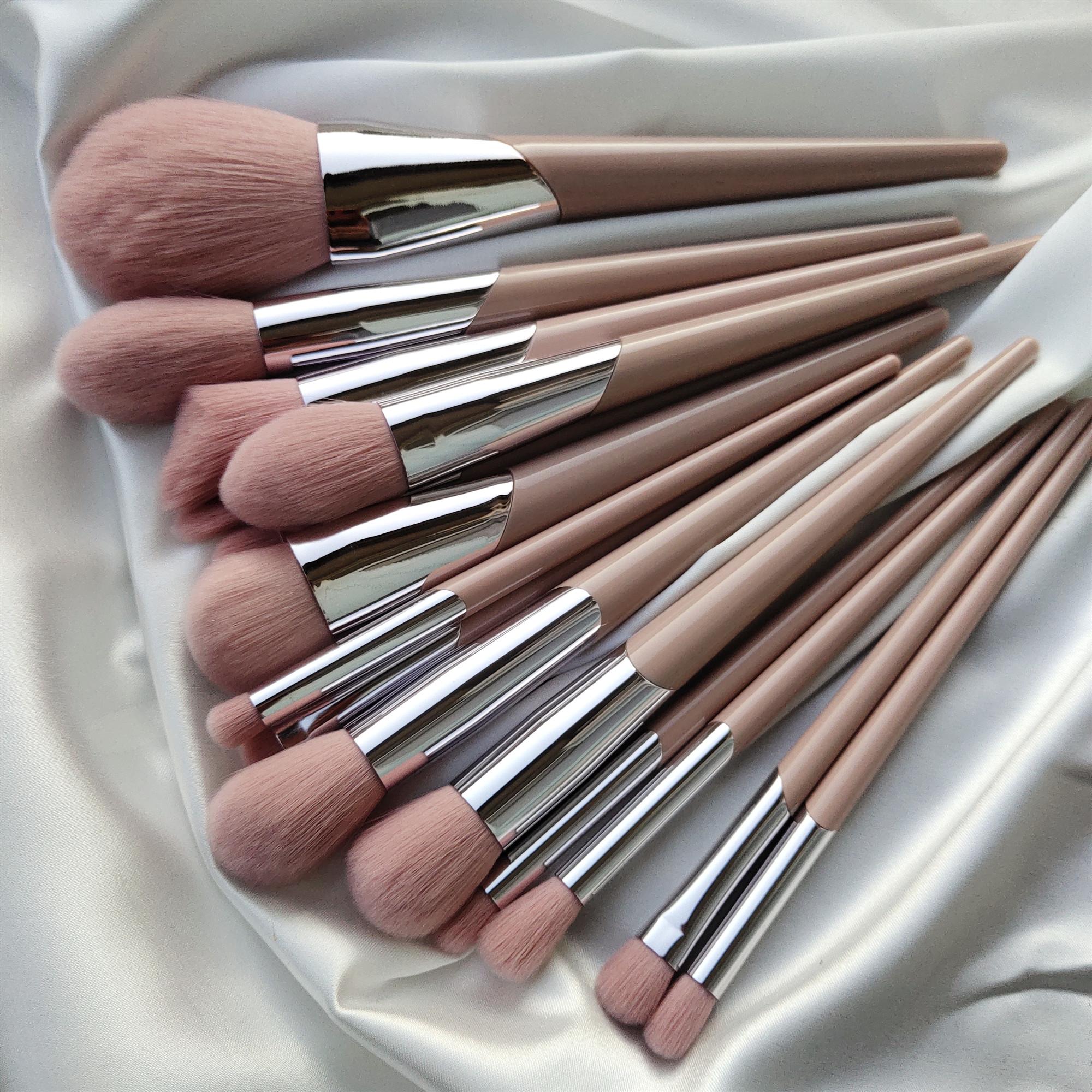 炒鸡软 高颜值藕粉色微晶丝化妆刷散粉刷粉底刷高光修容刷眼影刷