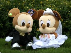 创意情侣婚纱米奇花车装饰婚车头公仔婚庆压床娃娃一对结婚小礼物