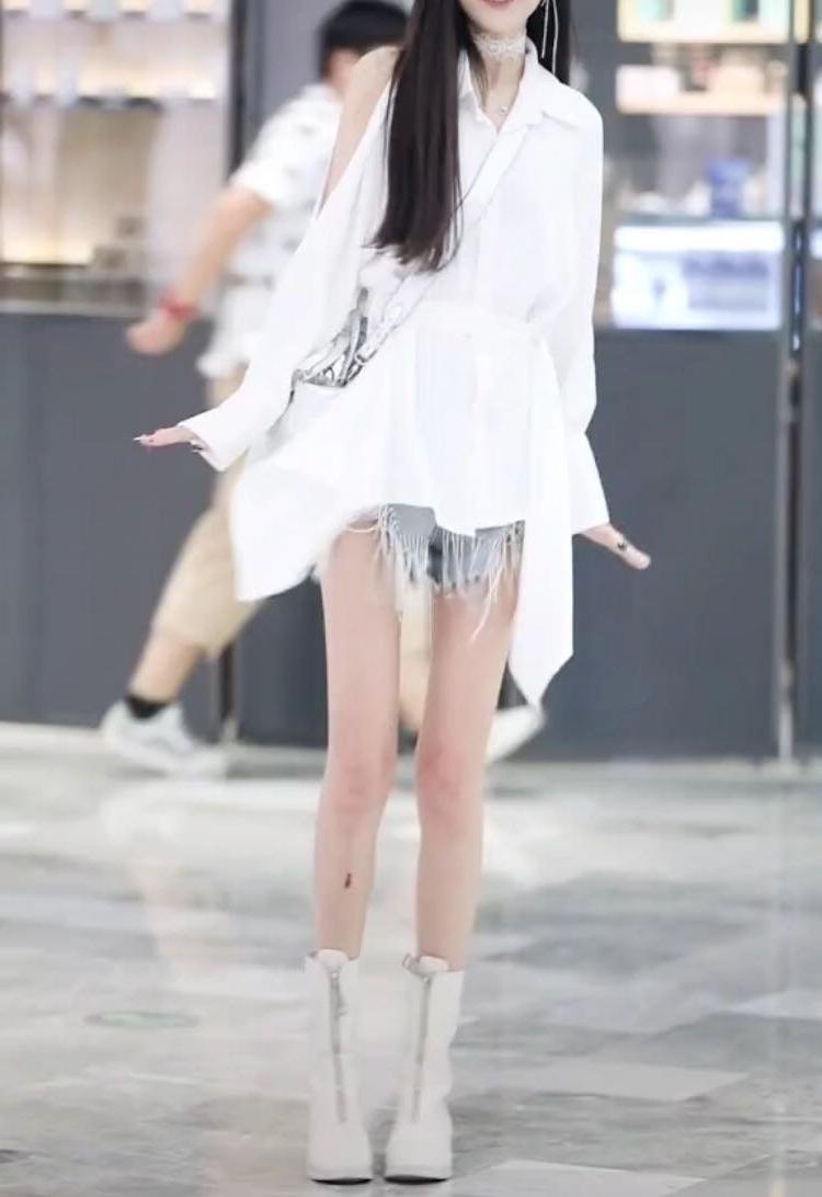 2019 fashion casual temperament womens suit two piece denim shorts with irregular cut medium length shirt