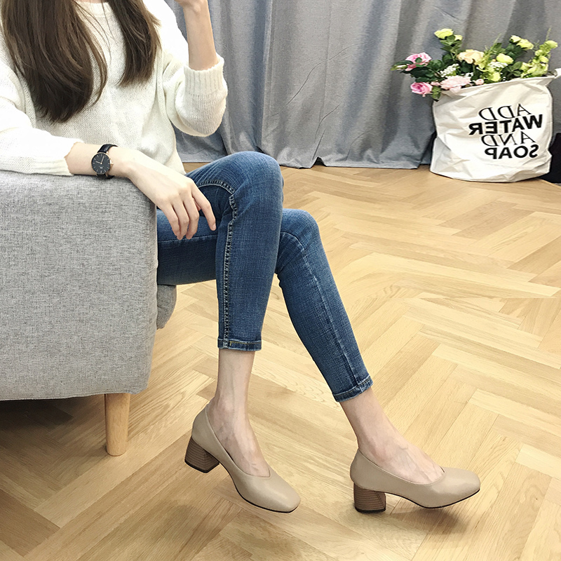 Thick heel single shoes woman autumn 2019 Mary Zhen square head Korean version of grandma shoes womens middle heel fairy work high heel shoes