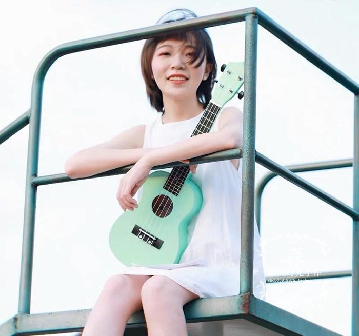 乌克绿尤克薄荷女初学者学生21寸23寸夏威夷四弦琴小吉他里里丽丽