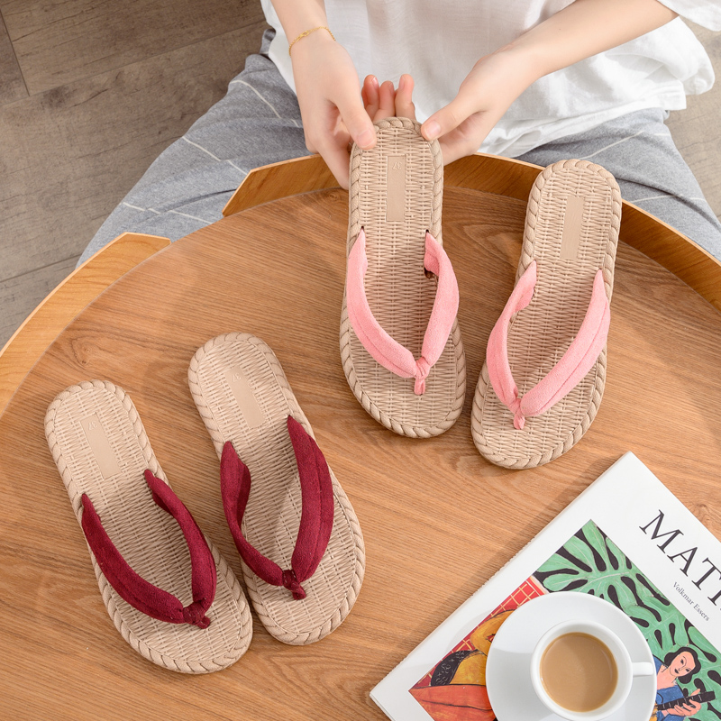 Flip flop women summer fashion ins trendy flip flops wear bathroom flat bottom antiskid clip drag beach student sandals