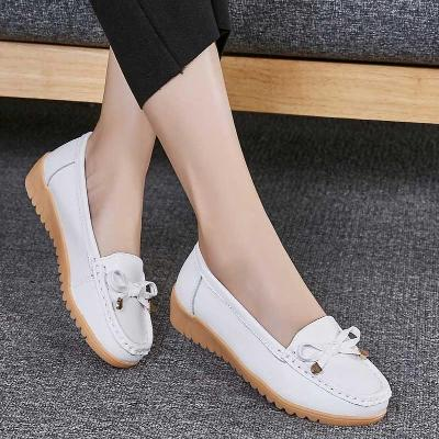 Middle aged mother womens small leather shoes black light mouth a spring autumn Oxford antiskid lazy person soft bottom light black