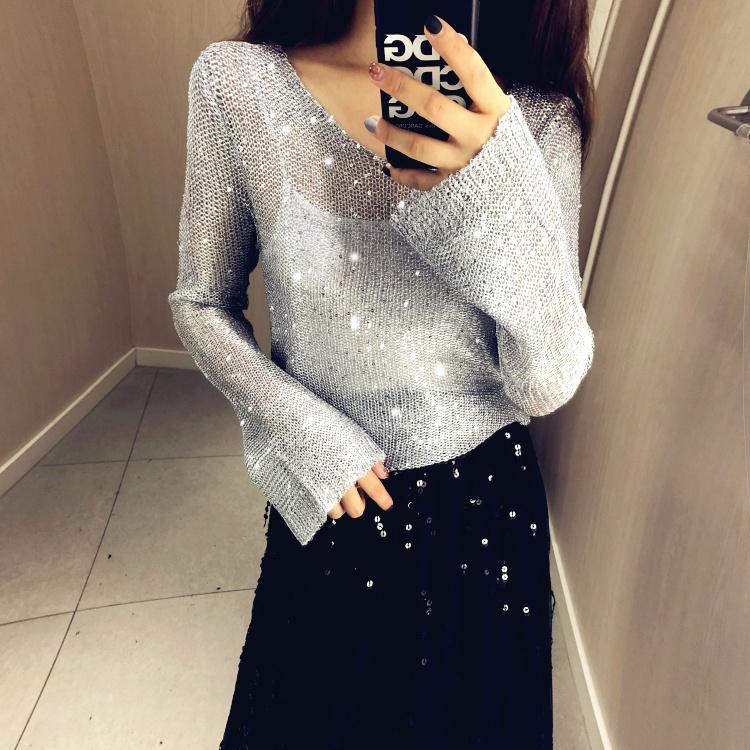 JoMi life2019奢华新品女神范儿亮片闪闪针织衫V领喇叭袖显瘦罩衫