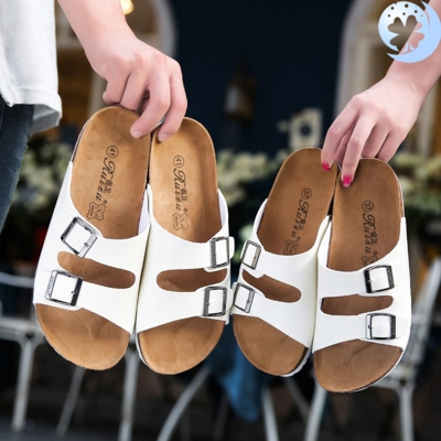 . Couple cork slippers mens summer slippers mens sandals womens Korean outdoor beach shoes mens character slippers