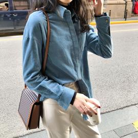 张阿星灯芯绒衬衫女设计感小众复古港味2020春秋叠穿内搭蓝色衬衣图片