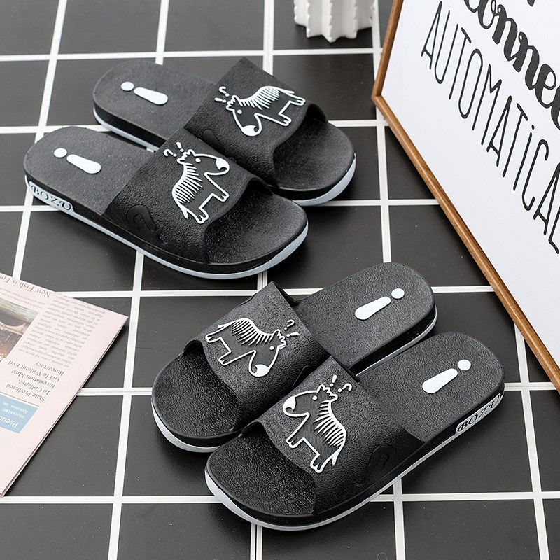 New outdoor slippers mens fashion summer outdoor 2020 new beach sandals personality antiskid mens sandals good