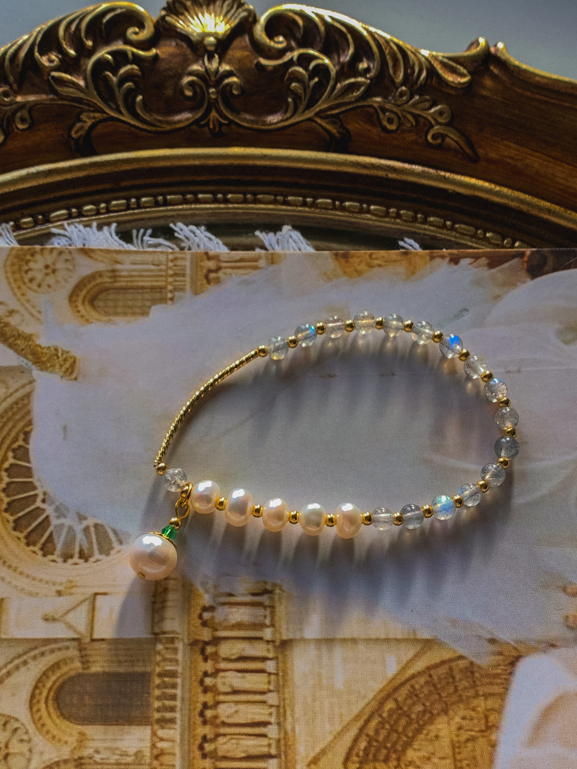 Discount in] silver moonlight ~ hand made natural pearl moonlight elongated stone moonlight stone bracelet bracelet Art